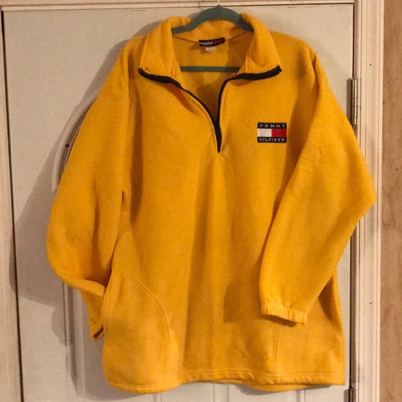Vintage USA Men's Tommy Hilfiger half zip sweater